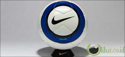 Nike Total 90 Aerow 05/06